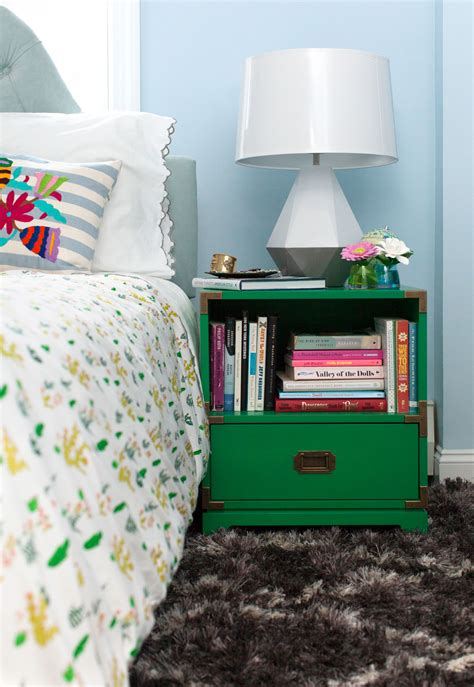 kelly green interior decor  paints interiors  color