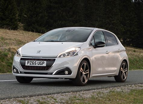 Review Peugeot 208 by Peugeot 208 Hatchback Review Parkers