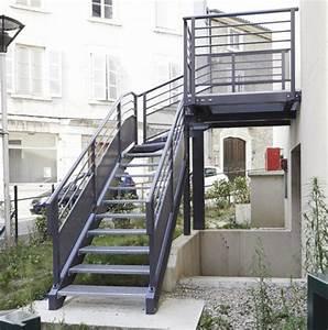 Escalier Exterieur Metal : escalier aluminium exterieur ~ Voncanada.com Idées de Décoration