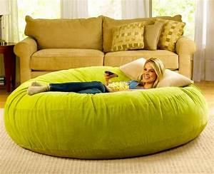 Pouf Geant Interieur : le pouf g ant un coussin de sol amusant et confortable ~ Preciouscoupons.com Idées de Décoration