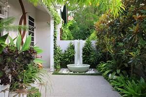 Modern courtyard landscaping ideas 2012 felmiatikacom for Courtyard landscaping ideas