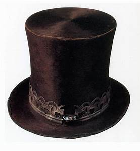 19th Century Beaver Hat Photograph by Photo Researchers