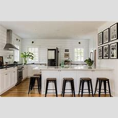 Black And White Cottage Kitchens Design Ideas