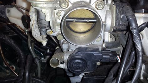 how make cars 1991 ford explorer electronic throttle control where is my throttle body and why does it need cleaning bestride