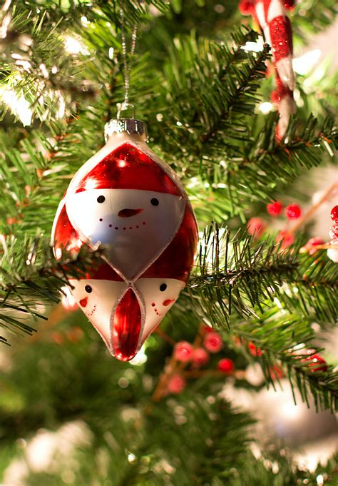 white tree decor - Red And White Christmas Ornaments