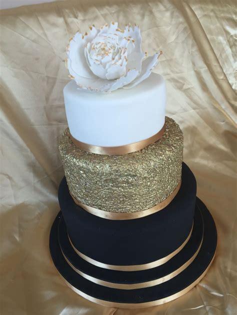 best 25 navy wedding cakes ideas on pinterest navy blue wedding cakes blue wedding cakes and