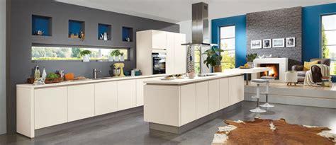 cuisine couleur magnolia cuisine équipée cocoon cuisine plus