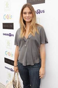 Spencer Grammer at the Petite Tresor Launch - Growing Your ...