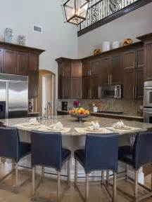 T Shaped Kitchen Islands The Property Brothers At Home In Las Vegas