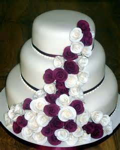 decoration gateau mariage 3 tier stacked wedding cake with claret and ivory roses susie 39 s cakes