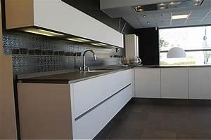 Bax Küchen Abverkauf : plana musterk che ausstellungsk che abverkauf ~ Michelbontemps.com Haus und Dekorationen