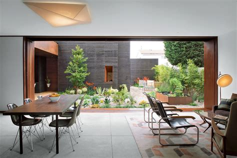 20 Modern Dining Rooms For Inspiration