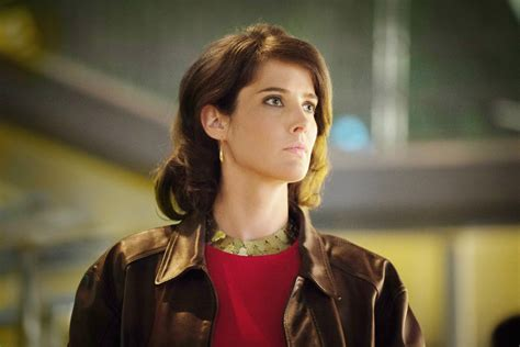 cast of jack reacher series news briefs cobie avengers smulders touted for jack
