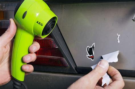 auto aufkleber entfernen autoaufkleber auto folie carwrapping und sticker autobild de
