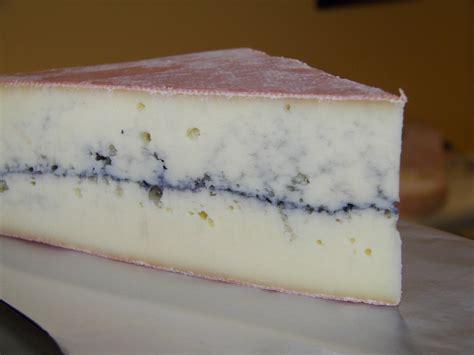 le morbier au lait cru de l enilbio un fromage de tradition enil