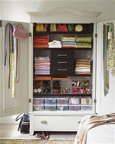 armoires closet and squares on