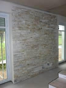 steinwand wohnzimmer fliesen 2 lipper häuslebauer benny tolle steinwand und sie hält