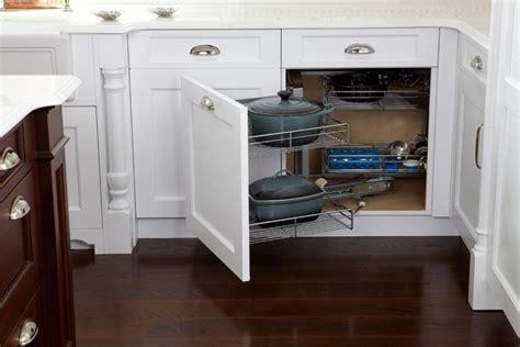 poubelle d angle cuisine meuble d 39 angle cuisine moderne et rangements rotatifs en