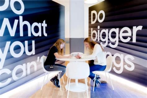 samsung is teaming up with wework for its own version of apple s genius bar the verge