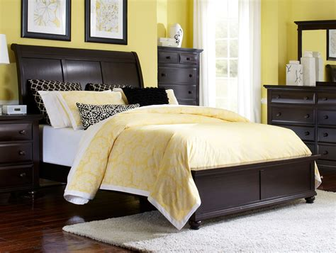 bedroom affordable broyhill bedroom design  peace