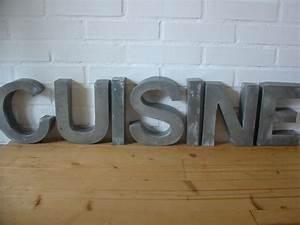 Lettre Decorative Cuisine : cuisine lettre bois ~ Teatrodelosmanantiales.com Idées de Décoration