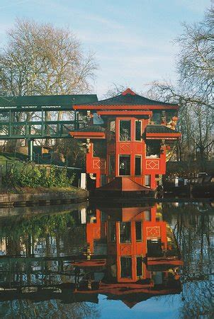 Floating Boat Chinese Restaurant London by Restaurants Feng Shang Floating Restaurant In Camden With
