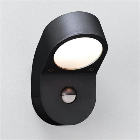 astro pir sensor 0576 outdoor wall light