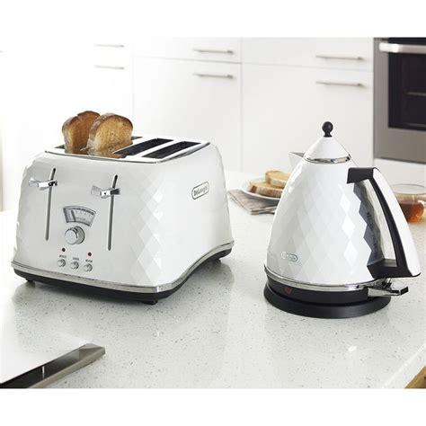 delonghi toaster and kettle delonghi brilliante toaster kettle kitchen