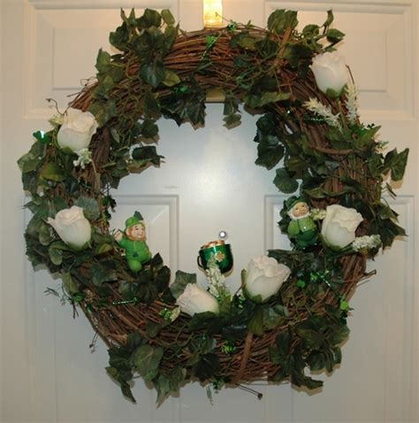 holiday wreaths decorative front door wreaths