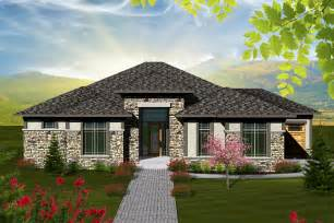 Ranch Style House Plan 2 Bed 2 5 Bath 2081 Sq Ft Plan Hip Roof Porch Benefits