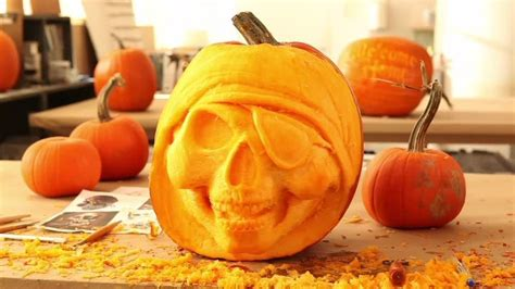video pirate skull halloween pumpkin martha stewart