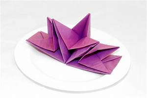Servietten Falten Stern : papierservietten falten anleitung bastelideen deko feiern diy zenideen ~ Markanthonyermac.com Haus und Dekorationen