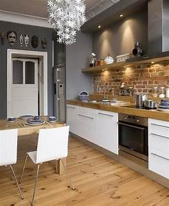 Cuisine Avec Parquet : superbe cuisine avec parquet mur en brique et belle couleur grise sur les murs dans la ~ Melissatoandfro.com Idées de Décoration