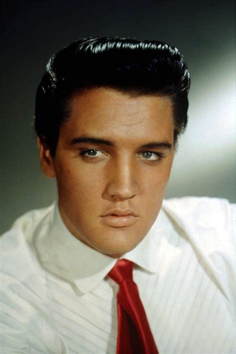 16 Iconic Photos of Elvis Presley That Prove He Was the ...