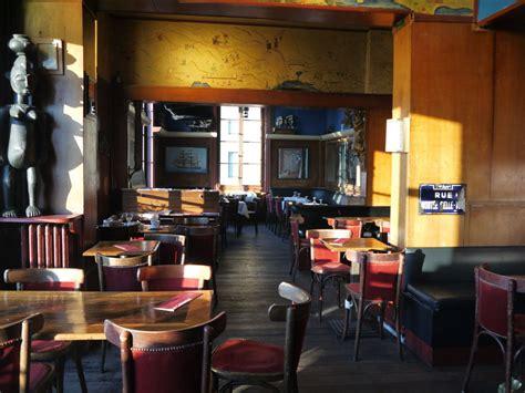 bar vieux port marseille la bar la caravelle de l hotel hotel 233 cologique vue vieux port marseille
