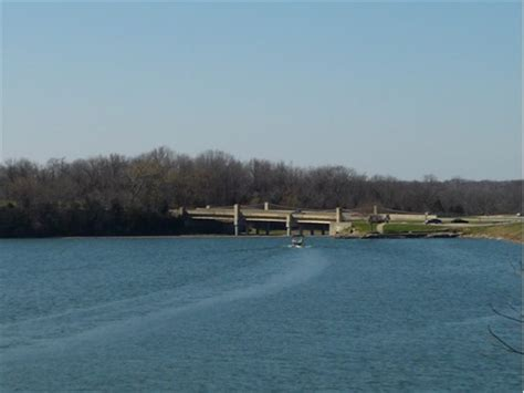 lake jacomo dam blue springs mo