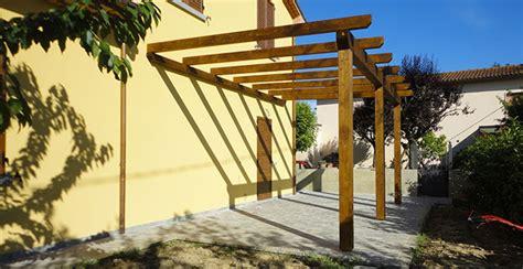piccole tettoie in legno costruire tettoie verande pensiline pergolati e tende