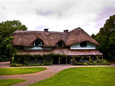 irland swiss cottage hintergrundbild kostenlos