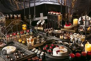 Buffet Halloween : no tricks all treats at 39 spooktacular 39 halloween dessert ~ Dode.kayakingforconservation.com Idées de Décoration