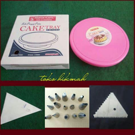 Scraper Segitiga Plastik Set 2 jual cake tray meja putar lazy susan spuit kue scraper