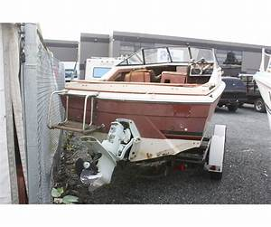 Cream    Brown Bayliner Inboard Motor Boat   Volvo Penta