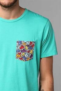 T Shirt Keith Haring : junk food keith haring pocket tee t shirt idea pinterest urban outfitters keith haring ~ Melissatoandfro.com Idées de Décoration