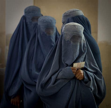 uk   ban  burka