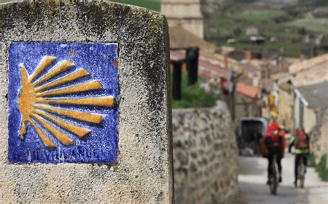 camino de santiago cost how much does the way of st cost viajes camino