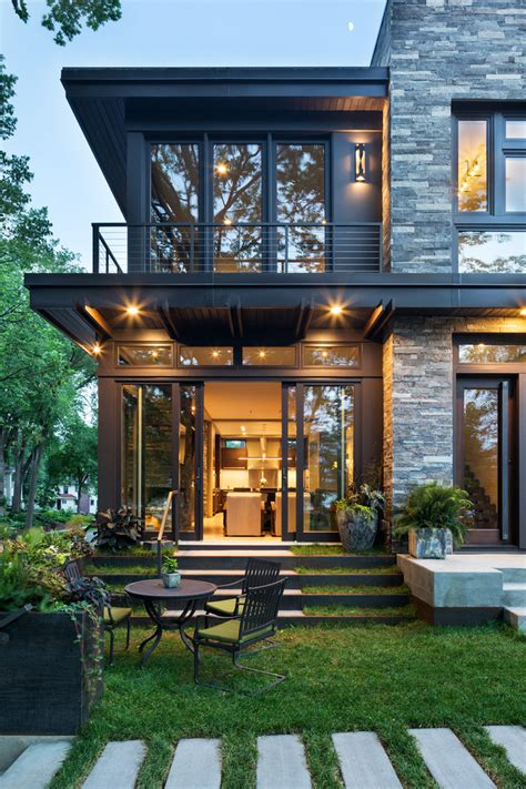 Modern Organic Home by John Kraemer & Sons in Minneapolis USA