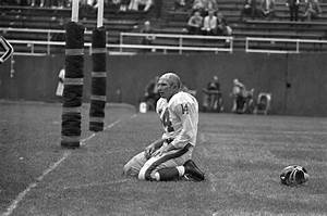 Y.A. Tittle, ex-49ers QB and Hall of Famer, dies at 90 ...