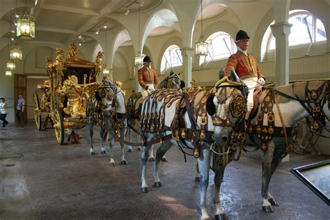 Le Royal Mews De Londres-018.jpg