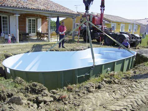 piscine coque pourquoi choisir une piscine coque travaux
