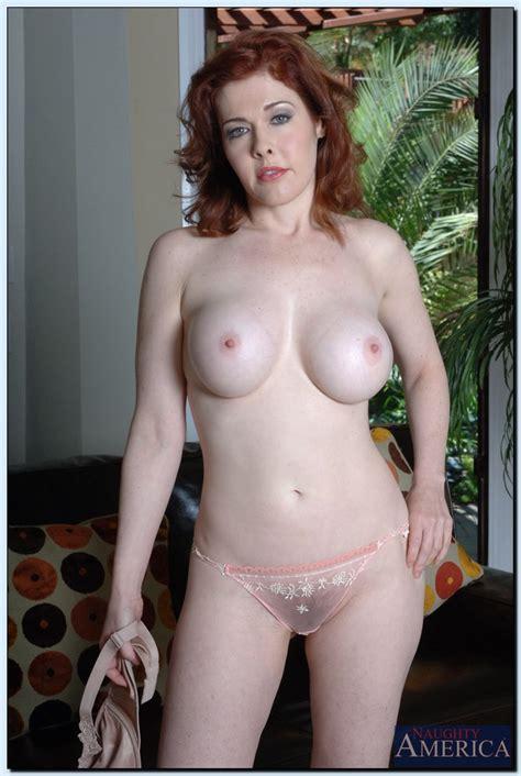 Redhead Milf Mae Victoria Got Her Muffler Played Milf Fox