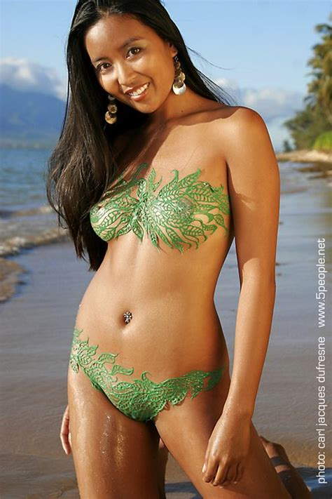 Find Body Paint And Glow In The Dark Body Paint From A